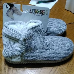 Woman's slippers by Muk Luks
